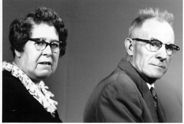 Howard and Paulina (Burdett) Crossett